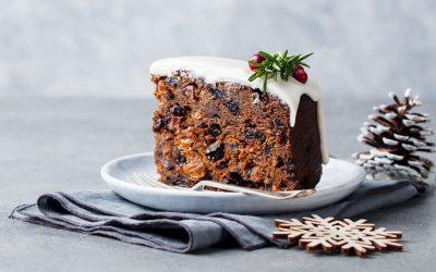 Video: How to Make an Easy Christmas Cake