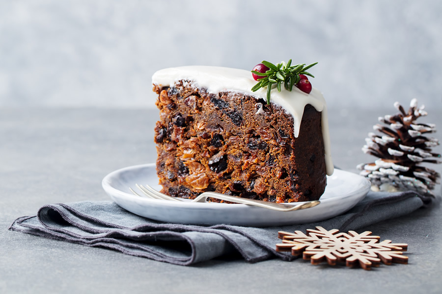 Video: How to Make an Easy Christmas Cake